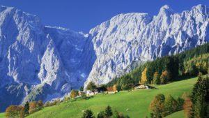 Значительную территорию Австрии занимают Австрийские Альпы