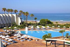 Популярный пляж в Андалусии