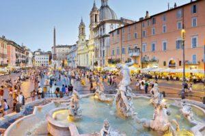 Фонтан Нептуна в Риме появился в 1574 году, современный вид появился между 1873 - 1878 годами.