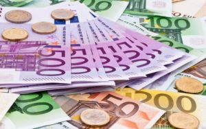 Действующая валюта в Италии - евро.