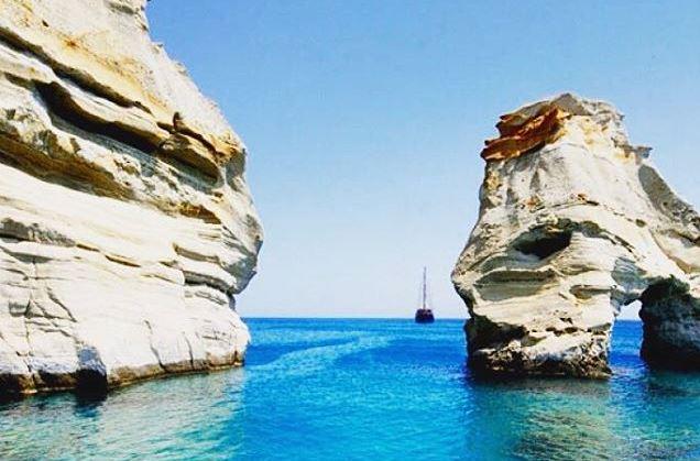 Греческое Море и скалы