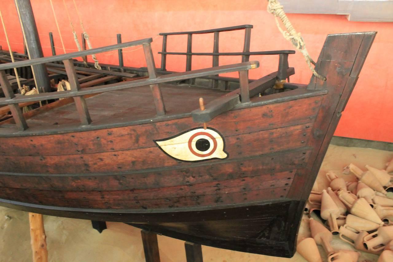Экспонат морского музея Аяй-Напы