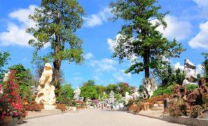 Паттайя. Парк миллионолетних камней окаменевшие деревья