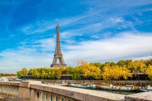Прогулку по Парижу начинать лучше от французской национальной гордости – Эйфелевой башни