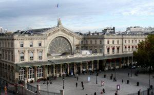Если добираться в Париж поездом из Москвы, конечной остановкой станет Северный вокзал – центральный железнодорожный терминал в столице Франции