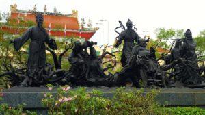 Паттайя. Храм Вихарнра Сиен Храмового комплекса Ват Ян. Китайские фигуры
