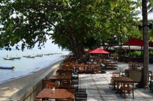 Ресторан Кan Eang @ Pier ― своеобразная визитная карточка Пхукета. Именно здесь предпочитает ужинать наследный принц Тайланда во время визитов на остров