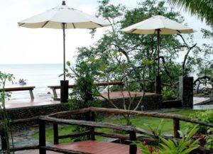 Собственной привлекательностью обладает восточный берег острова Ко Чанг. Его протяженность – порядка 30 километров, а гостиниц в общей сложности наберется не больше десятка.