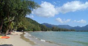 Пляж Чай Чет (Chai Chet Beach) находится в северной части залива Клонг Прао, погружающегося в западный берег острова Ко Чанг.