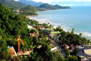 Вайт Сенд – самый посещаемый и самый длинный пляж острова Ко Чанг. И, конечно же, наиболее освоенный. Инфраструктура развита на нем в полной мере.
