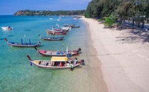 Пляж Равай не самое лучшее место для пляжного отдыха