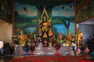 Храм Wat Baan Kamala Храм принимает посетителей с 07 утра до 16.30