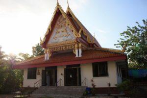 В южной части пляжа Камала можно найти красивый буддистский храм Баан Камала (Wat Baan Kamala)