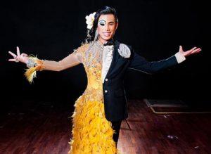 Шоу трансвеститов в кабаре Симон