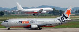 Авиакомпании Vietnam Airlines и Jetstar Pacific обслуживают внутренние авиалинии.