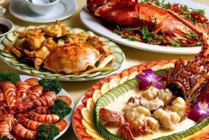 Повара Центрального Вьетнама, особенно в бывшей имперской столице Хюэ и ее окрестностях, создают настоящие кулинарные шедевры.