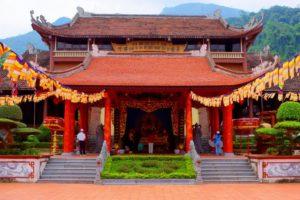 Влияние китайской архитектуры и планировки городов сказывается в старинных кварталах вьетнамских городов, в особенности в Ханое.