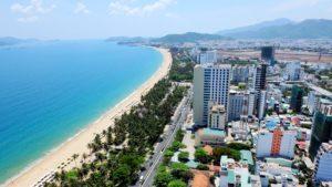 Лучшие пляжи, привлекающие многочисленных туристов, находятся в центральной части Вьетнама поблизости от городов Фантьет и Ня Чанг.