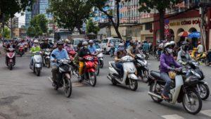 Прокат мотоцикла обойдется в 60-80 тыс. донг в день, велосипеда – в десять раз дешевле.