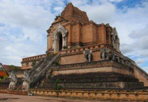 Храм Ват Чеди Луанг