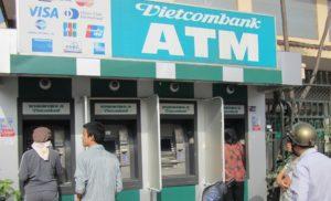 На острове обменять валюту надежнее всего в банке. Их на Фукуоке несколько – Vietcombank, Agribank, Sakambank.