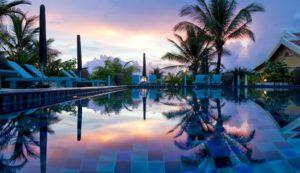 На красивой ухоженной территории 2 ресторана, лаундж-бар, открытый бассейн.