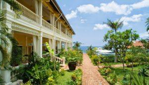 Роскошный курортный отель-бутик, расположившийся в тропических садах на красивом участке частного пляжа.