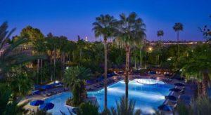Открытый бассейн в отеле Le Meridien N'Fis