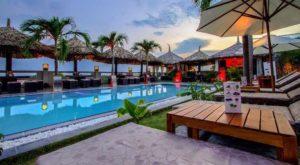 Отель бюджетный с наилучшим соответствием цена-качество среди отелей той же категории.