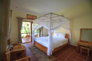 Номера в отеле с кондиционерам и всеми необходимыми для полноценного отдыха условиями.