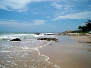 Пляж между Phu Hai Resort и Takalau Residences&Resort