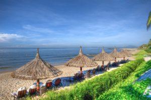 Вы не встретите здесь серферов и кайтеров, поэтому на этом пляже очень приятно отдыхать.