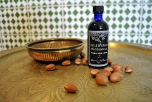 Самый полезный, самый качественный сувенир, который можно привезти из Марракеш – это аргановое масло