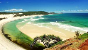 Пляж Bai Dai находится на северо-западном побережье острова. Общая его протяженность около 15 км.