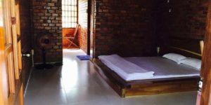 В номерах есть все необходимое для отдыха, в том числе ванная комната, принадлежности для барбекю.