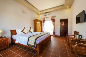 Отель предлагает гостям размещение в 23 номерах. В номере все необходимые удобства, кондиционер, мебель из бамбука.