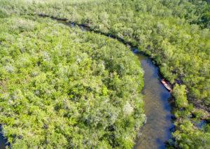 Река Куа Кан протекает по территории Национального парка и впадает в залив на западе острова.