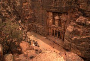 Петра - самая известная достопримечательность Иордании