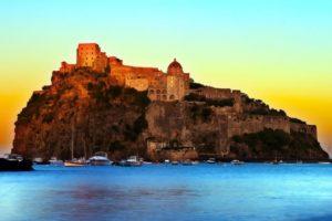 Арагонский замок у острова Искья.